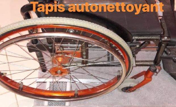 Visuel du projet Tapis autonettoyant pour les roues d'un fauteuil roulant