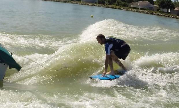 Visuel du projet Surfez sur un lac - Générateur de vagues pour plan d'eau naturel