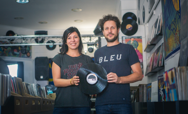 Project visual Premier atelier de pressage de disques vinyles à La Réunion