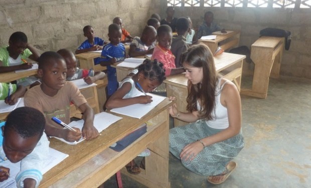 Visueel van project Donner accès à l'informatique/l'internet aux enfants démunis par la formation