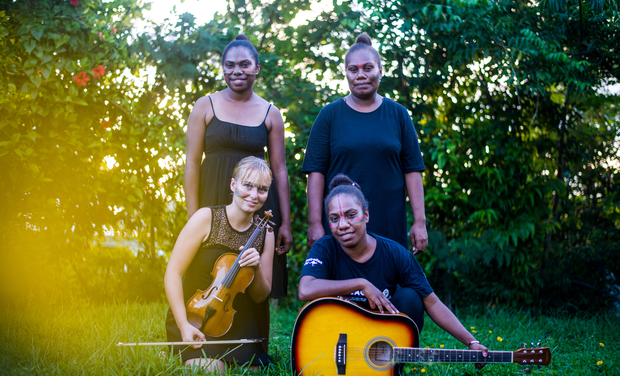 Project visual Paran Latan, production of the 1st album in Vanuatu with 100% female musicians