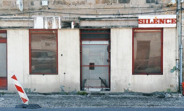 Project visual Silence, 250 abandoned shops