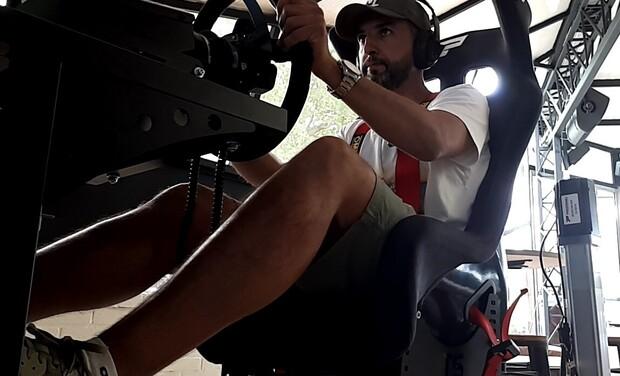 Visuel du projet Lounge Racers (centre de simulation  course automobile)