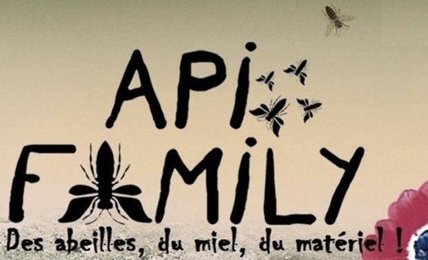 Large_apifamily_des_abeilles_du_miel_du_mat_riel