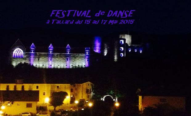 Large_chateau_illum3-1427302988