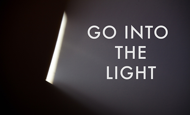 Visuel du projet Go Into the Light