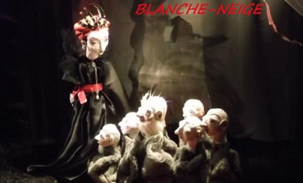 Large_la_reine_et_les_nains__2_