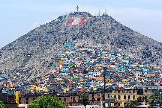 Lima-slums-peru-1408622035