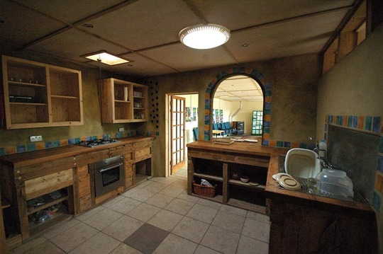 Brighton-earthship-kitchen-1408955679