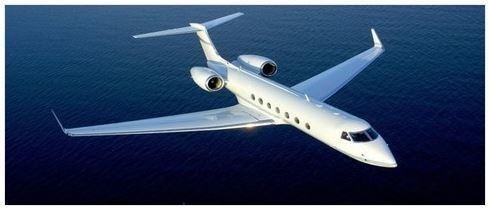 Avion-1410101399