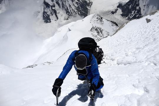 Sommet-mont-blanc-tanguy-rambaud-cofondateur-sportroops-alpinisme-challenge-sommet-defi-1410514548