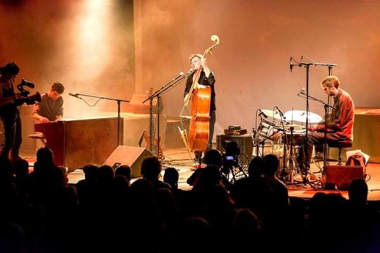 Fond_concerts_ou_mettre_en_photos-1412097150