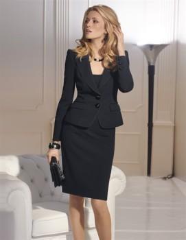 Tailleur-jupe-genou-noir-veste-deux-boutons-madeleine-collection-automne-hiver-2011-2012-1412697037