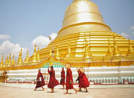 Myanmarmonks-1412781425