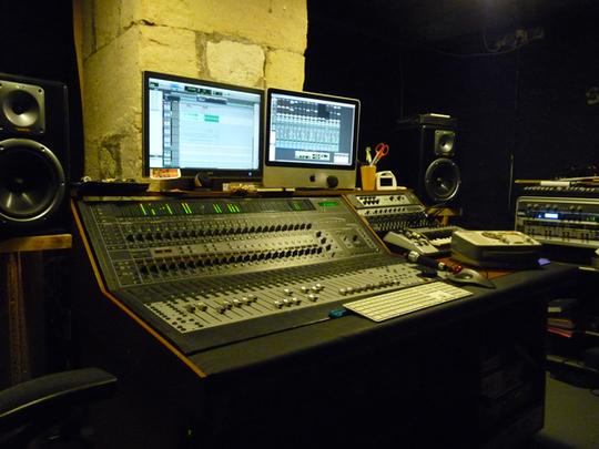 Studio01-1412931037