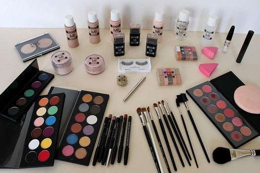 Ecole-maquillage-kit-pro-1413377166