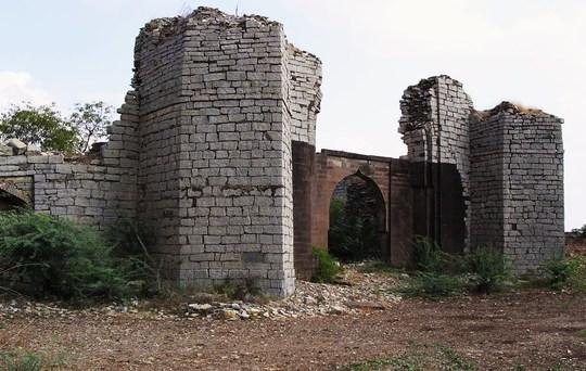 East_gate-1414000988