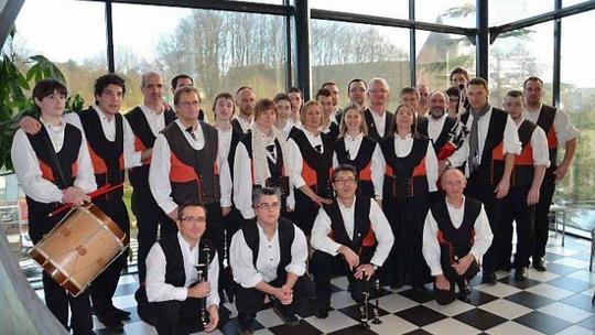 Repetition-gratuite-du-bagad-kevrenn-bro-logunech-1414421987