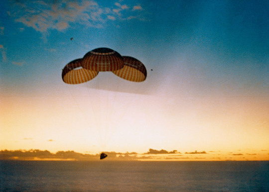 Apollo-10-splashdown-1415530691