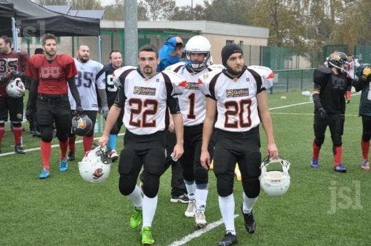 Rassemblement-a-macon-de-160-joueurs-de-football-americain-photo-f-r-1415549462