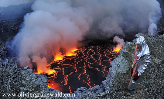 O.grunewald_volcan_nyiragongo_81-1416242684