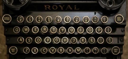 Typewriter_1-1416490409
