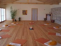 Salle_yoga_small_grece_voyage_initiatique_spirituel_chamanique_sejour_circuit-1420730450