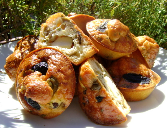 Mini-muffins-2-olives-feta-1421144908