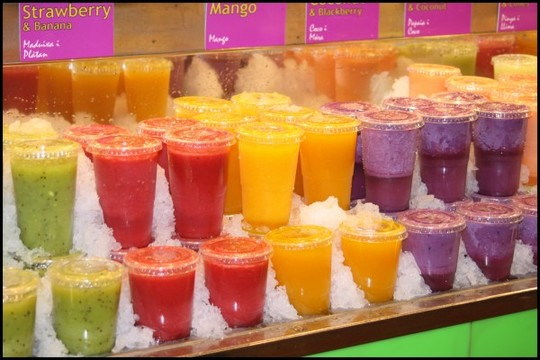 Marche-boqueria-barcelone---jus-de-fruits-frais-1421352695