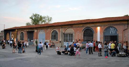 Via-genova-17-giorno-1421434059