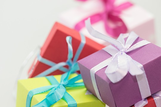 Gifts-570821_1280-1421695910