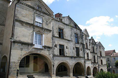 Fontenay-le-comte-1422127187
