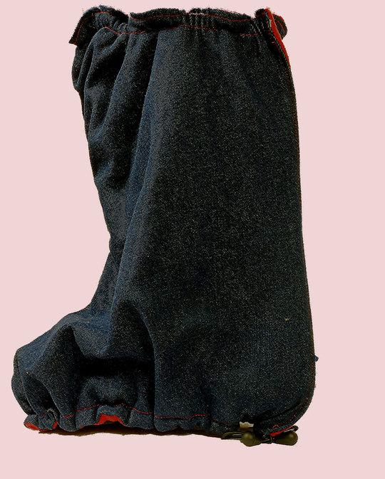 Botte-les-loups-bleus-sur-chaussure-1423406329