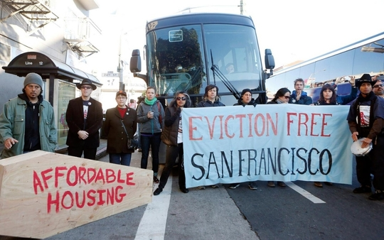 Bus_eviction_sf-1423833586
