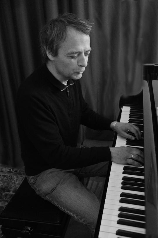 Gilles_de_la_buharaye_au_piano-1423910300