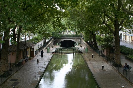 Canal_saint-martin___cluse_du_temple__vers_l_aval-1426197589
