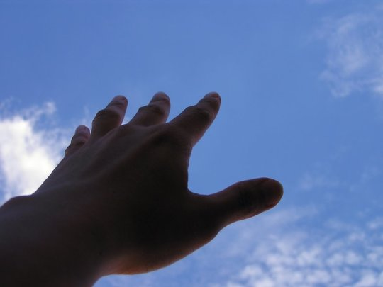 Hand-to-sky-tft-1426284610