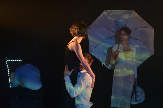 Francoise_parapluie-1427905215