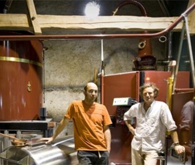 Domaine-des-hautes-glaces-distillateur-1427980613