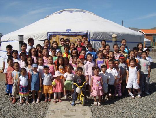 Enfants_orphelinat-1428070024