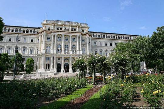 Wien-schmerling-platz-justizpalast-2-1428260753