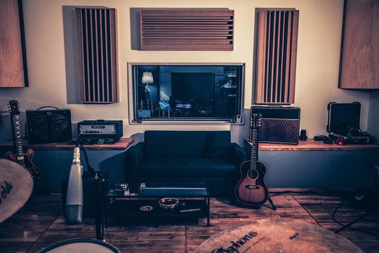 Acoustique-du-studio-1428492019