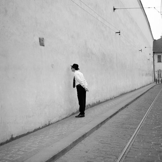 Facing-the-wall-1429878293