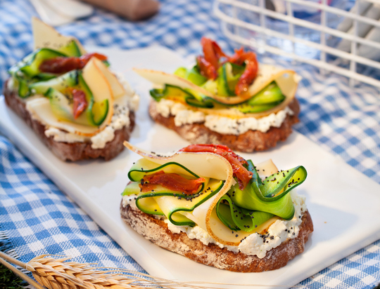 Tartine-gourmande-courgette-tomate-et-fol-epi-r-1430164483
