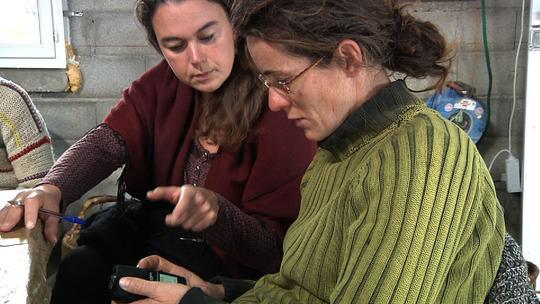 J2_femme_sur_enregistreurs-1430991700