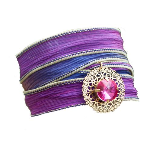 Bracelet_soie_violette_rivoli_rose-edl-1431246223