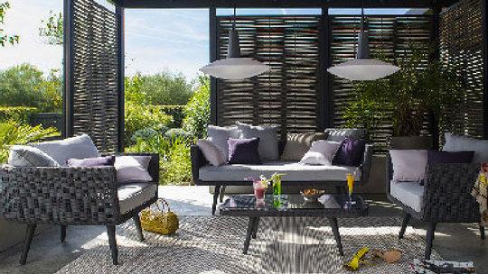 Salon-de-jardin-castorama-sur-terrasse-en-bois-1432064691