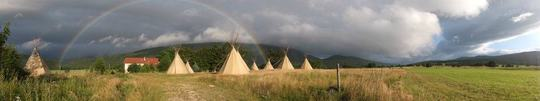 Camp_tipi_arc_en_ciel-1432476334