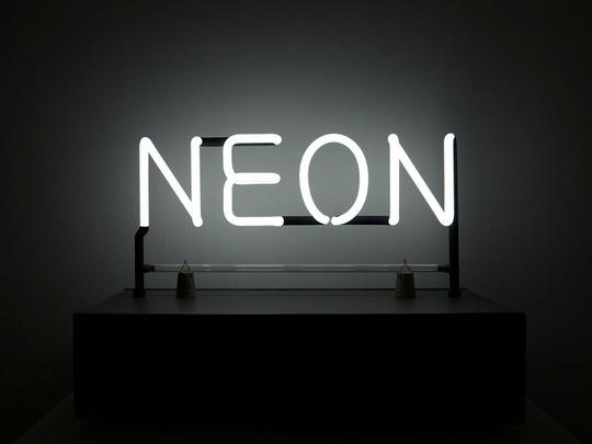 Kosuth-neon-1433854715