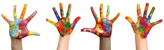Beideraupen-mains-enfants-peinture-1433968875
